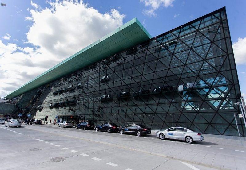 Lotnisko w Krakowie - wciąż mało pasazerów