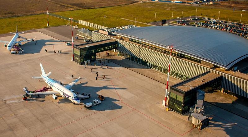 Wśró mniejszych lotnisk regionalnych najlepszy wynik miało lotnisko rzeszowskie