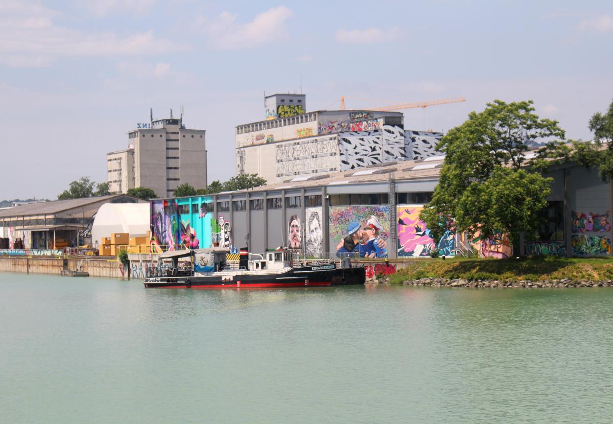 linz mural harbor