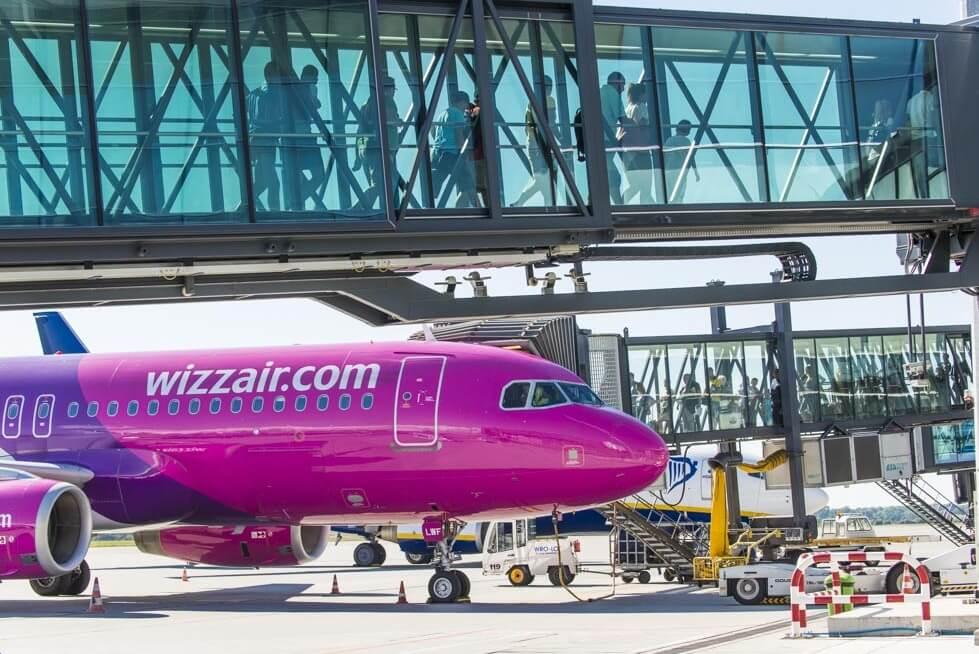Samolot w barwach Wizz Air