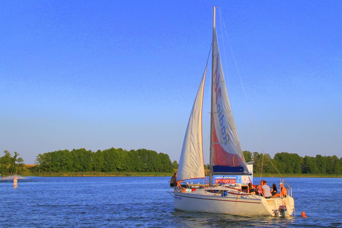 Polacy chcą odpocząć na jeziorami