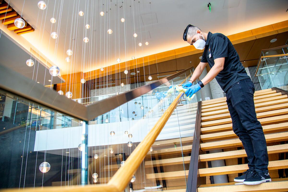 hilton nowe standardy czystości