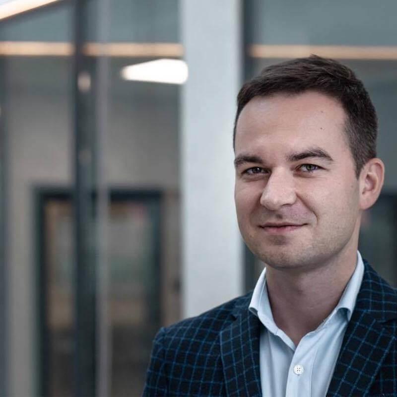 Kamil Pakosz turystyka pomoc niosącym pomoc
