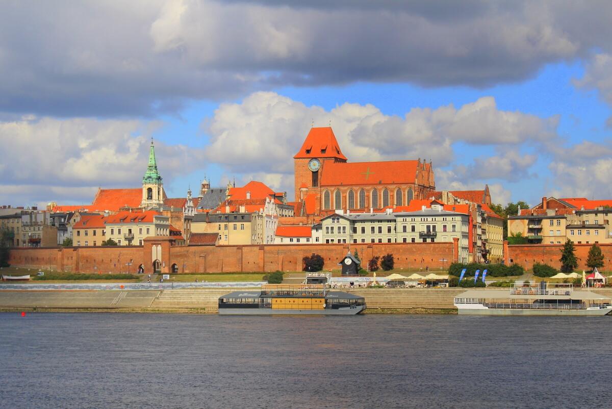 POT chce żeby agenci poznali lepiej Polskę