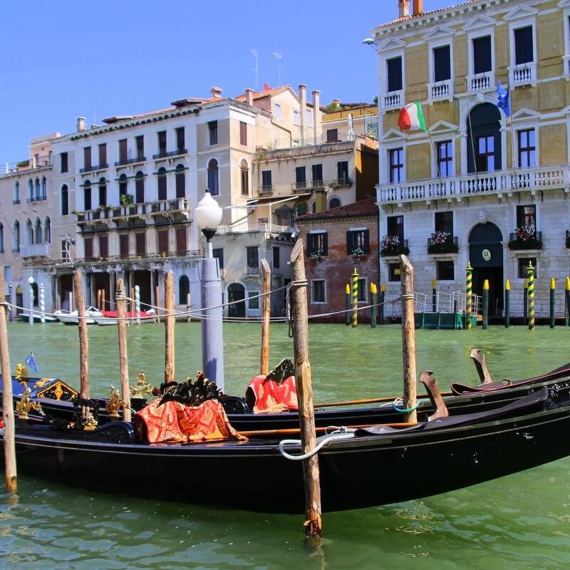 Gondola na Canale Grande Wenecja po koronawirusie