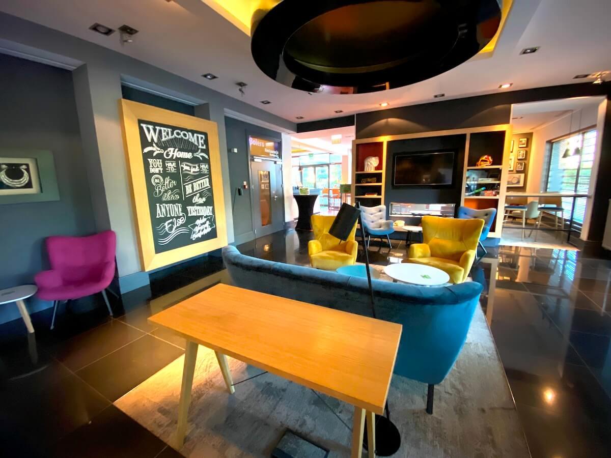 Lobby w Holiday Inn Bydgoszcz