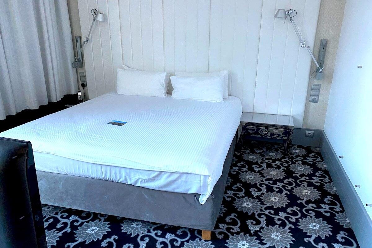 Sypialnia w Holiday Inn