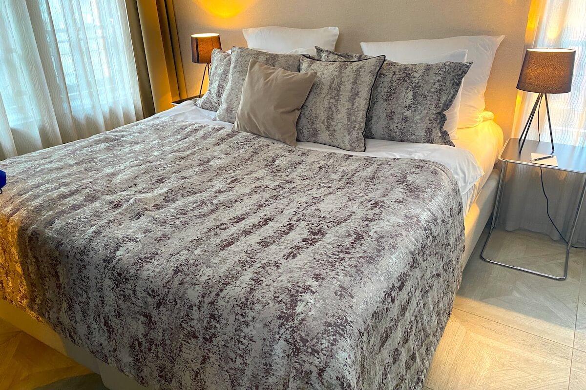 Sypialnia w pokoju junior suite