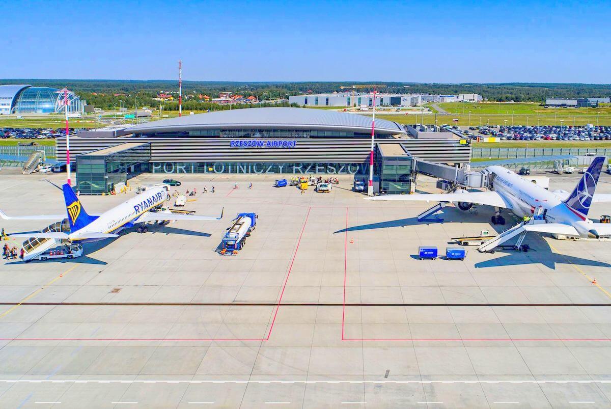 Osiem kierunków w zimowym rozkładzie lotniska w Rzeszowie