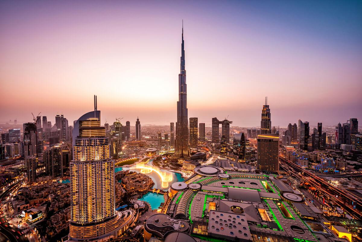 Emirates Connect - nocleg dla pasażerów czekających ponad 10 godzin na przesiadkę