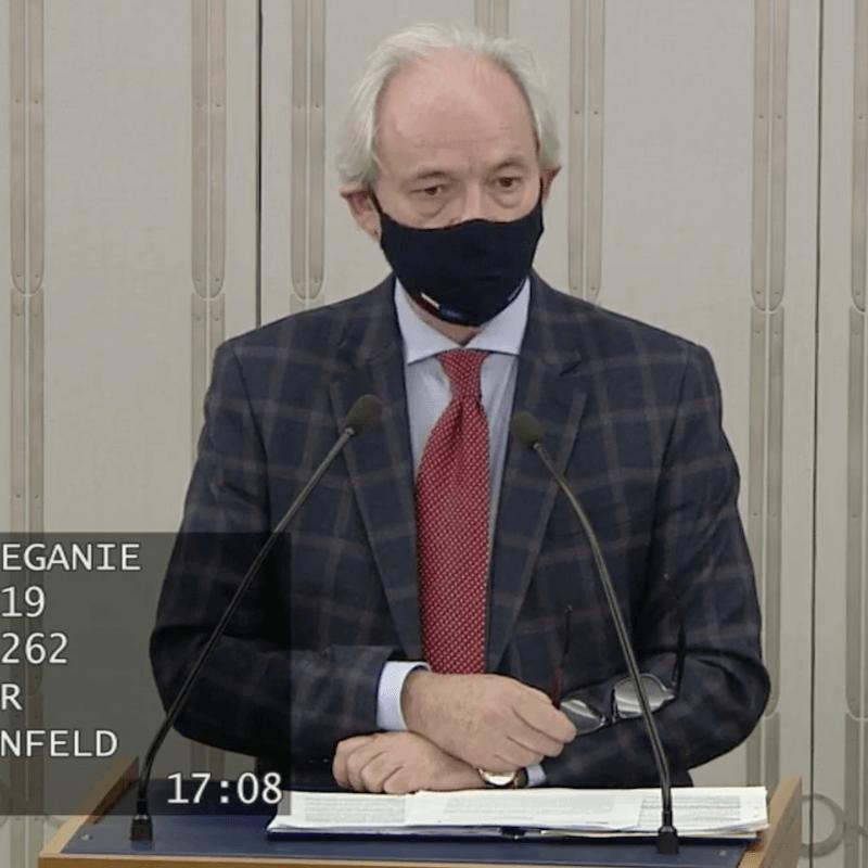 Senator Adam Szejnfeld prezentuje założenia