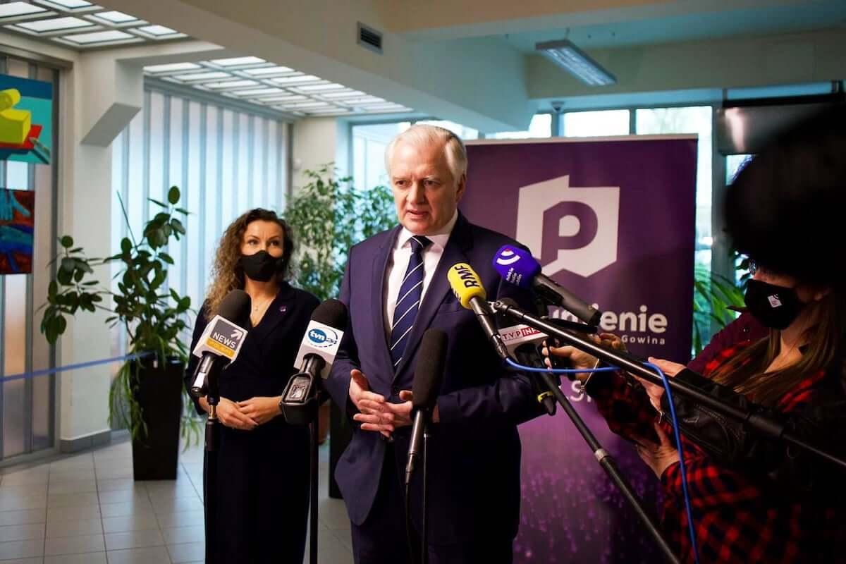 Jarosław Gowin usługi dla zaszczepionych