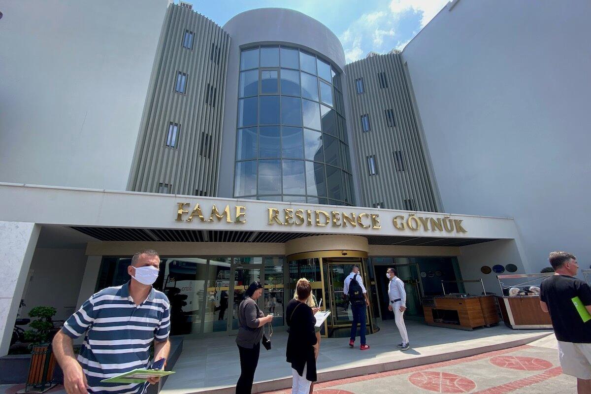 Fame Residence Goynuk - budynek główny