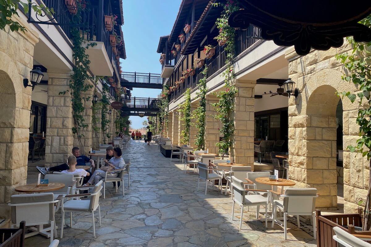 Główna aleja w Paloma Grida