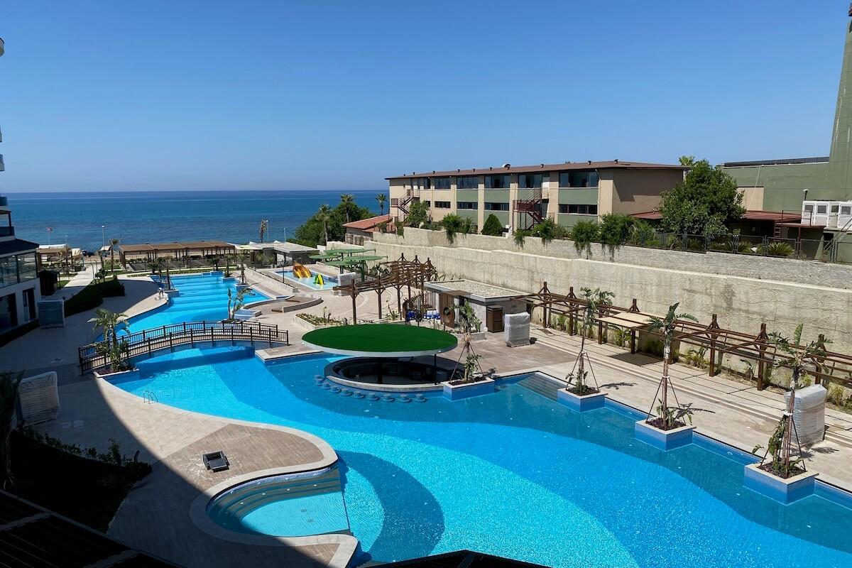 Widok na basen w hotelu Seaden Quality