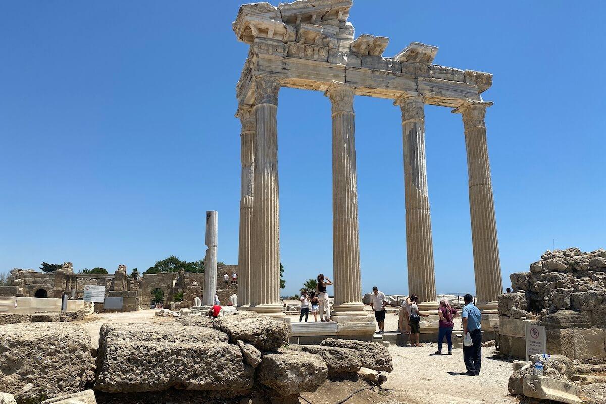 Pozostałości świątyni Apollina w Side