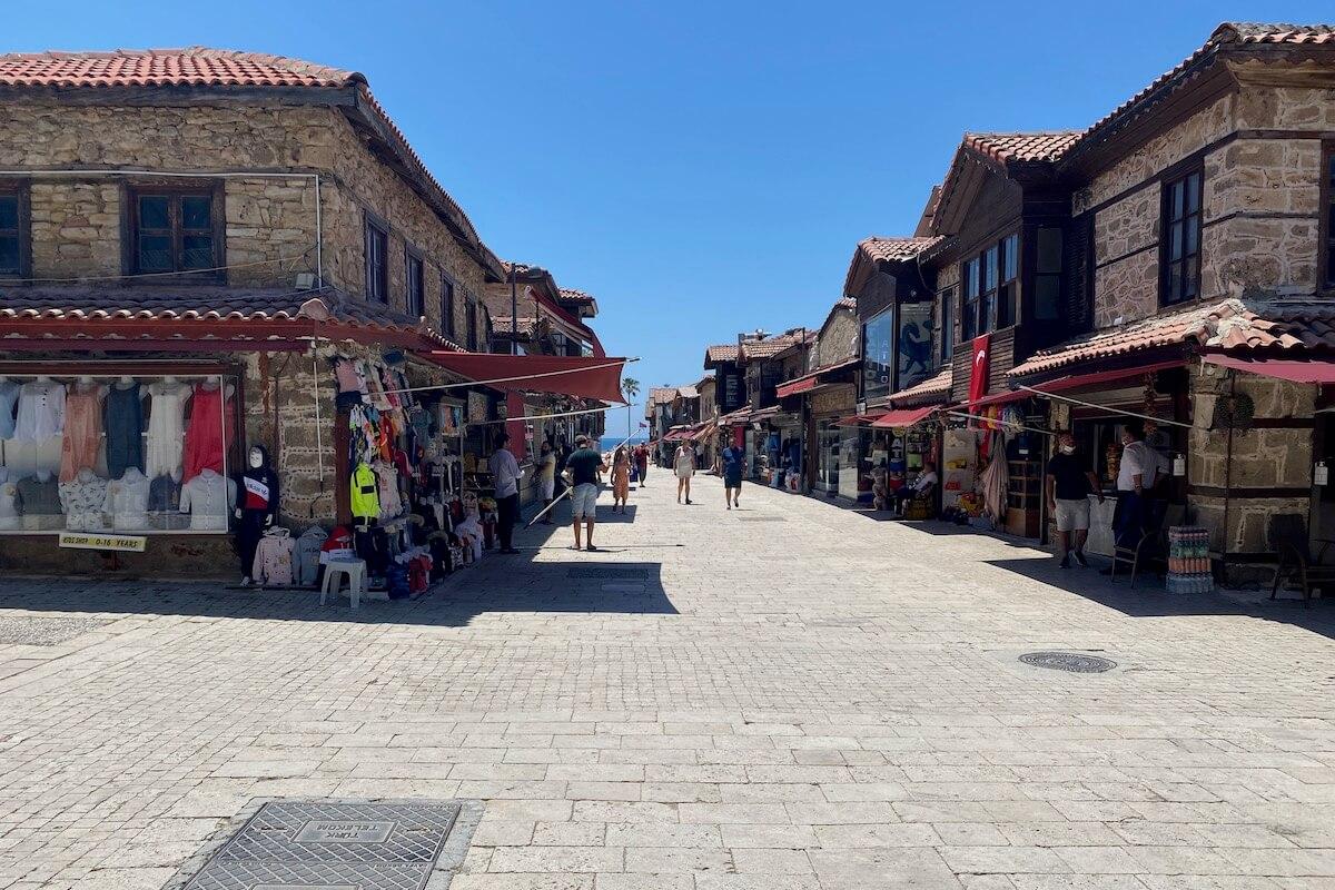 Ulica w Side wiodąca do portu