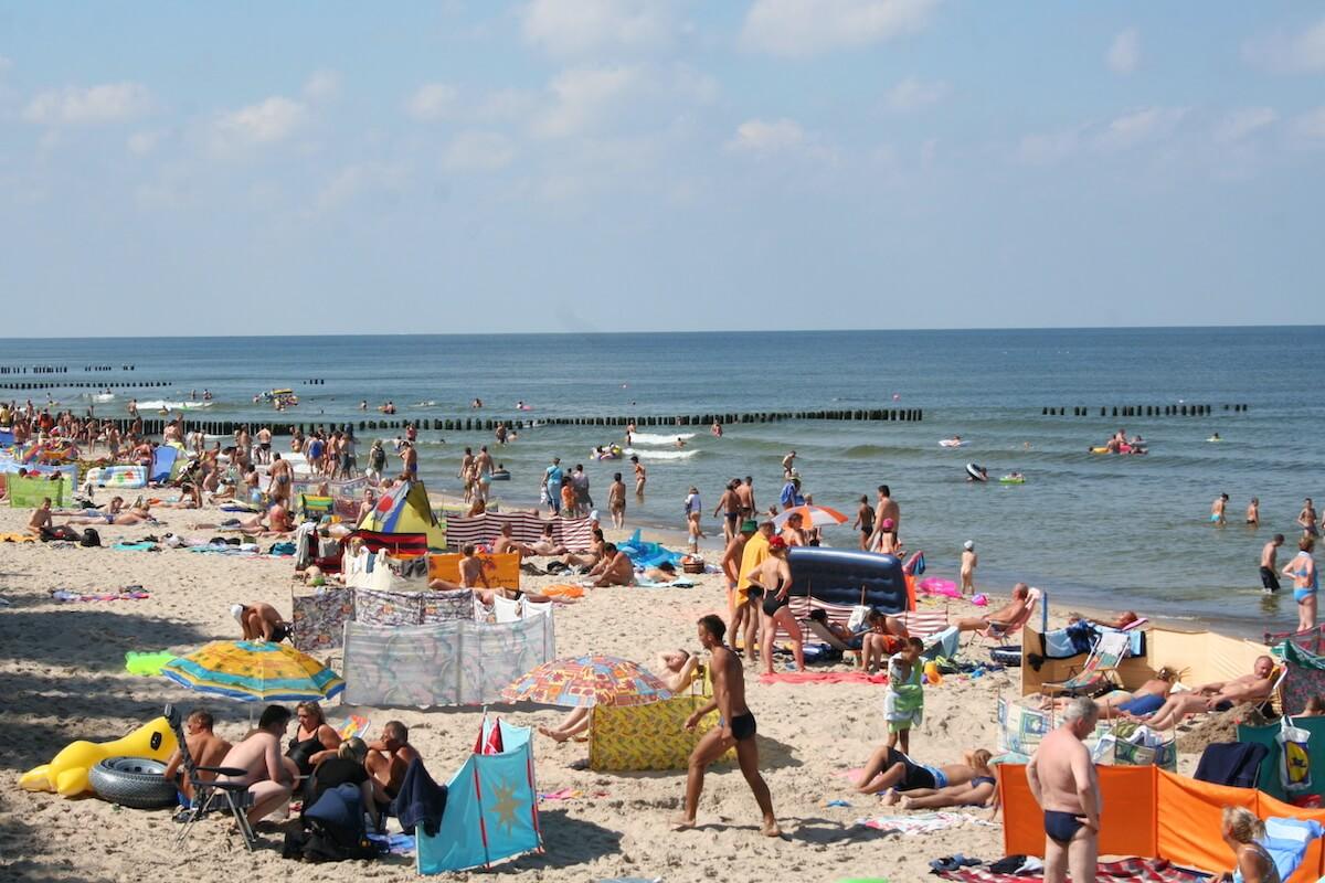 Pobyty nad polskim morzem coraz bardziej popularne